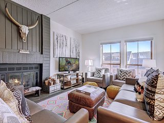Enjoy ski-in/ski-out convenience and resort amenities in the heart of downtown