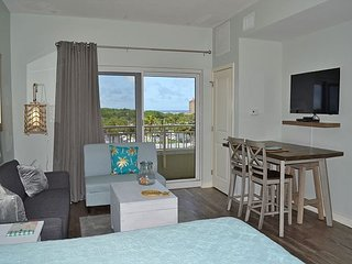 Luau 6305 - Family Suite w/bunkbeds - huge pool + beach views