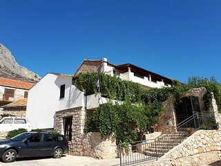 Two bedroom apartment Ivan Dolac (Hvar) (A-8753-a)