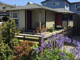 Beach Cottage - Morro Bay - 10 minute walk to the beach