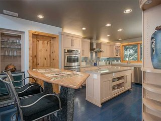 3bd/2.5ba Westbrook House