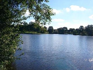 Ferienwohnung Am See: Ihr entspannter Urlaub in Ostfriesland