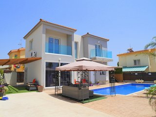 Villa Bella - 4 Bedroom Luxury Villa with Private Pool