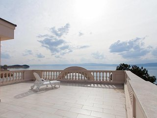 Villa Darko-Our villa is located on the bank of Ohrid Lake