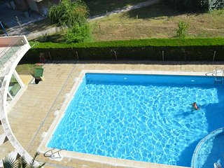 Mamaia Apartment with Pool