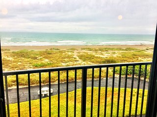 Direct Ocean View 2 Bedroom / 2 Bath Condo On Cocoa Beach
