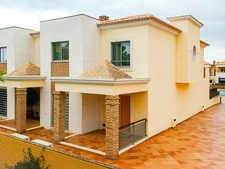 Luxurious 3 bedroom semi-detached in Vilamoura