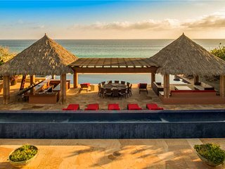 Spectacular Beachfront Oasis at Villa Tranquilidad!