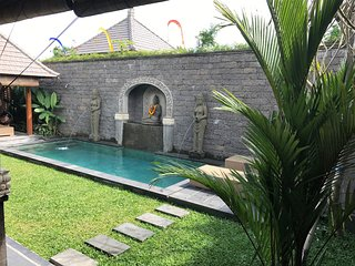 Welcome to Paradise - Quiet & Secluded.  Garden & Pool