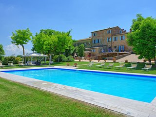 12 bedroom Villa in Fratticciola, Tuscany, Italy : ref 5251963