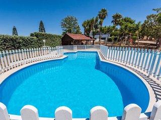 4 bedroom Villa in Villaggio le Fontanelle, Apulia, Italy : ref 5630086