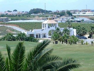 Cadiz, piscina, aire acondicionado y wifi en campo de golf