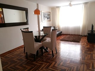 2 Bedroom apt in Surco 20 minutes away from Park Kennedy in Miraflores