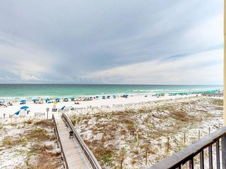 NEW LISTING! Open & bright oceanfront condo w/shared pool, on-site tennis & more