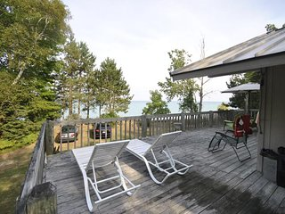 Grand Traverse Bay Beachfront Home Sunday-Sunday