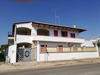 Casa Angela Chiara p. primo, vista mare a 5 minuti dalla spiaggia