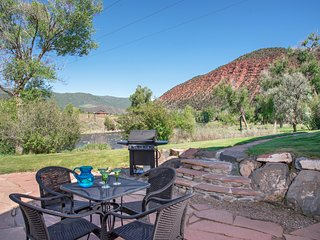 Relaxing River's Edge Apt. w/ Private Fishing & Boat Access, 35 min. to Skiing!
