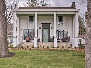 NEW! Downtown Branson House Minutes to The Landing