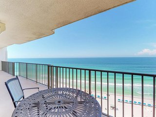 NEW LISTING! Tranquil beachfront getaway w/ocean view & shared pool