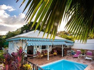 Bungalows avec Pisicine Privee et Jardin Tropical en Martinique - Villa Colibri