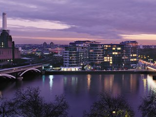 Beautiful modern flat off Chelsea Bridge Preview listing