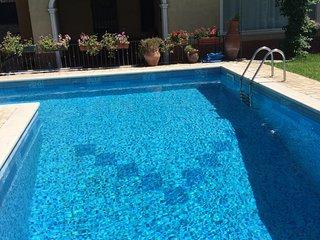 Villa rosyiano swimming pool and sea