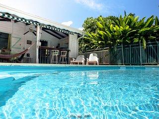 Bungalows avec Piscine Privée et Jardin Tropical en Martinque - Villa Corossol