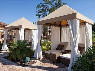 2708BD Regal Oaks Resort