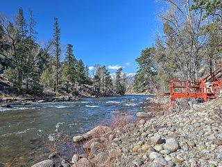 Private River Access, Mtn. Views & A Spacious Home