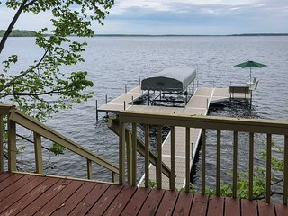 NEW! Waterfront 3BR Nisswa House on Gull Lake!