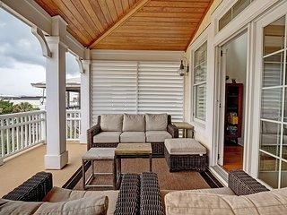 Sea Suite - Updated 4 bedroom duplex with elevator and ocean views sleeps 9
