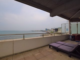 60579 Apartment situated in Westward Ho!