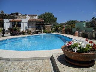 Villa con Piscina vicino le spiagge di Otranto e Torre dell'Orso grande giardino