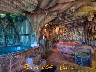 Oasis Of Eden Theme Rooms