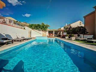 1 bedroom Apartment in Dinjiska, Zadarska Zupanija, Croatia : ref 5053256