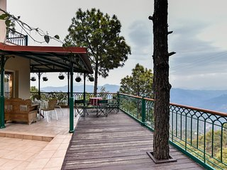 Lush 4BR Vacation Home in Kasauli Hills with home-cook & open-deck