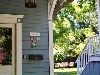 Villa kitchen entrance
