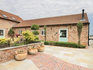 OWL COTTAGE, open-plan, exposed beams, disabled access, near York