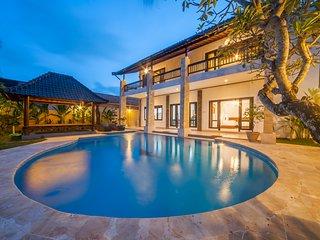 Spacious 4BR Villa-Casa Priya,Kerobokan