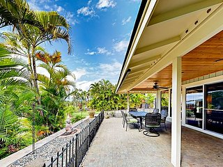 Lush 3BR - Wraparound Covered Lanai, Peek-a-Boo Ocean View, 4 Blocks to Beach