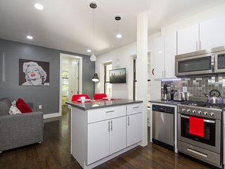 Hamilton Heights: Luxurious 3 Bedroom Home