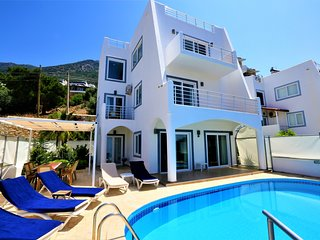 Mediterranean Style 3 Bedroom Villa with Private Pool and Stunning Sea Views