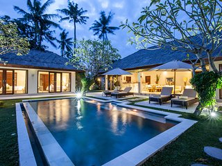 Beautiful 4BR & Private Pool Villa with view on ricefields, located in Canggu