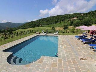 Volterrano Villa Sleeps 7 with Pool and WiFi - 5569928