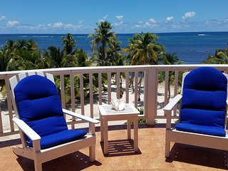 Oceanfront, five balconies - Perfect for families and groups! Free kayaks/bikes.
