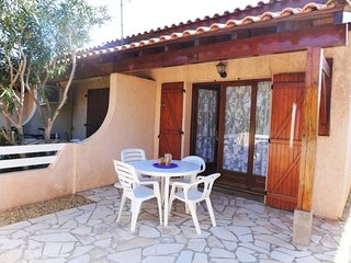 1 bedroom Villa with WiFi and Walk to Beach & Shops - 5050481