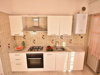 Silville Apartment Sleeps 6 - 5055016