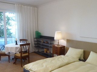 studio, separate high standard kitchen, elegant central and very quiet quarter