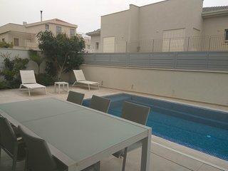 Lovely new deluxe suite near Tel Aviv