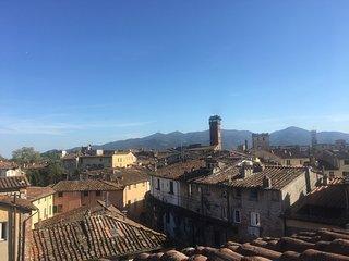Attico nuovo nel cuore di Lucca